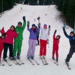 Fericiti la finalul cursurilor de schi alpin!